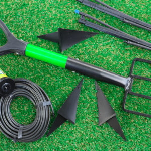 EzySNIP the No.1 gardening tool for perfectly trimmed lawn edges.